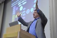 """IBM Fellow Berni Schiefer erklärt die künstliche Intelligenz """"Watson"""" © Christian Augustin / IT-Tage 2016"""